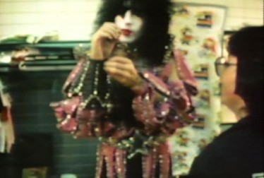 KISS Backstage Footage from Hot Hero Sandwich