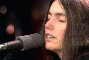 EMMYLOU HARRIS Footage from TopPop