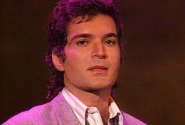GINO VANNELLI Footage from TopPop